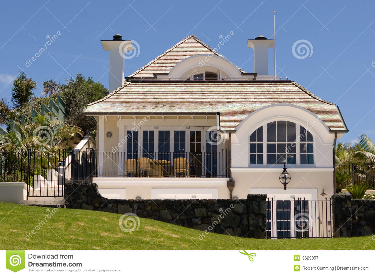 Luxury home royalty free stock photography image 9629057 for Free luxury home images