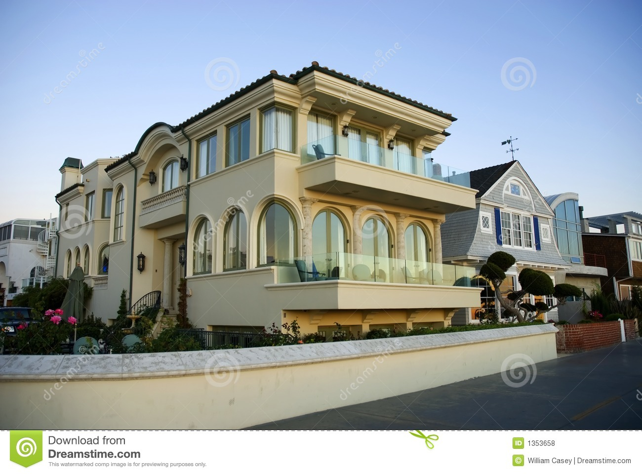 Luxury home with arched windows royalty free stock photos for Luxury home windows