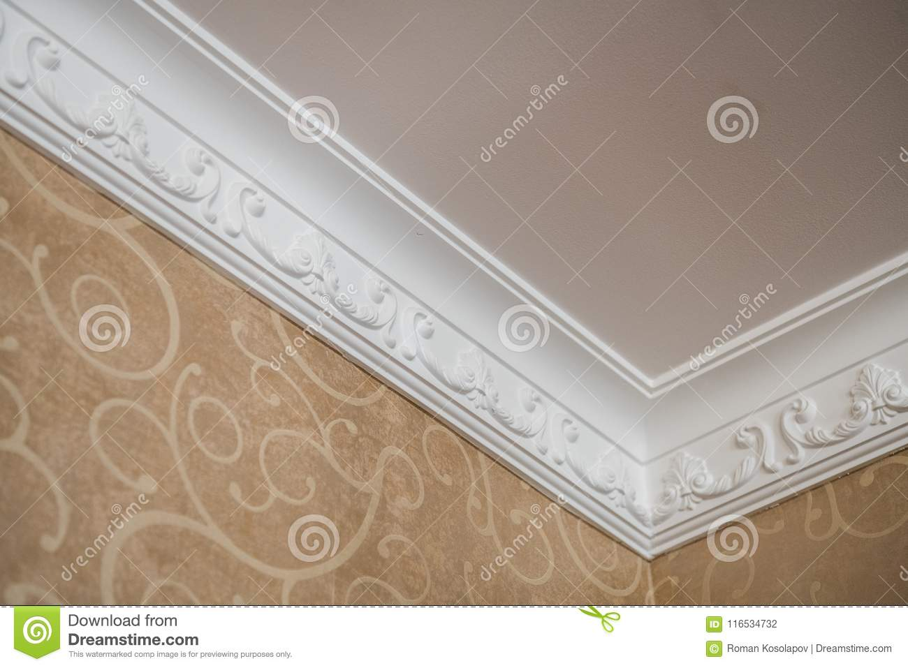 583 Ceiling Moulding Photos Free Royalty Free Stock Photos From Dreamstime