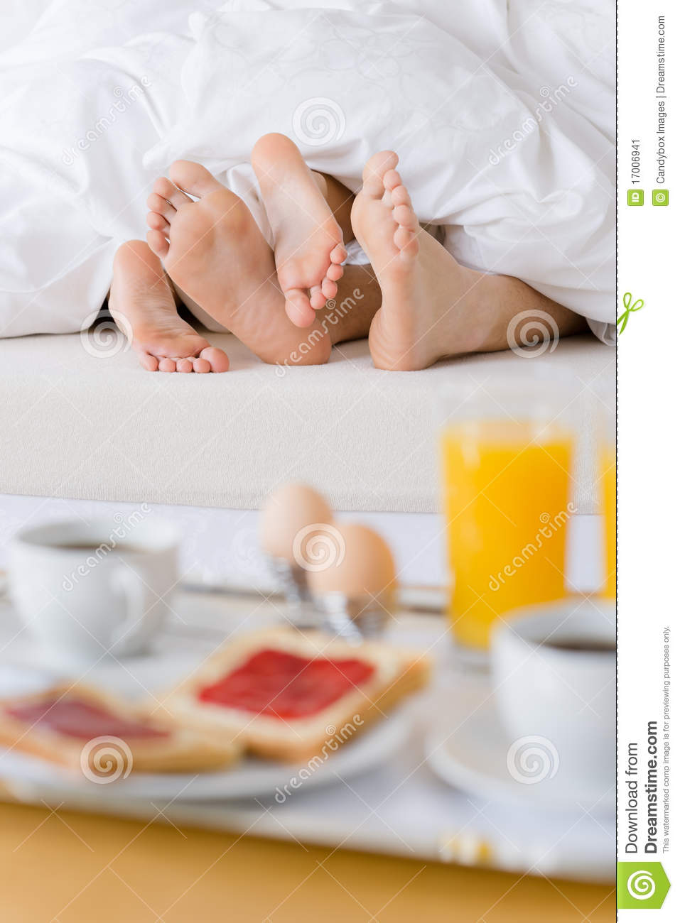 Luxury hotel honeymoon breakfast couple in bed stock for Where to go for a honeymoon