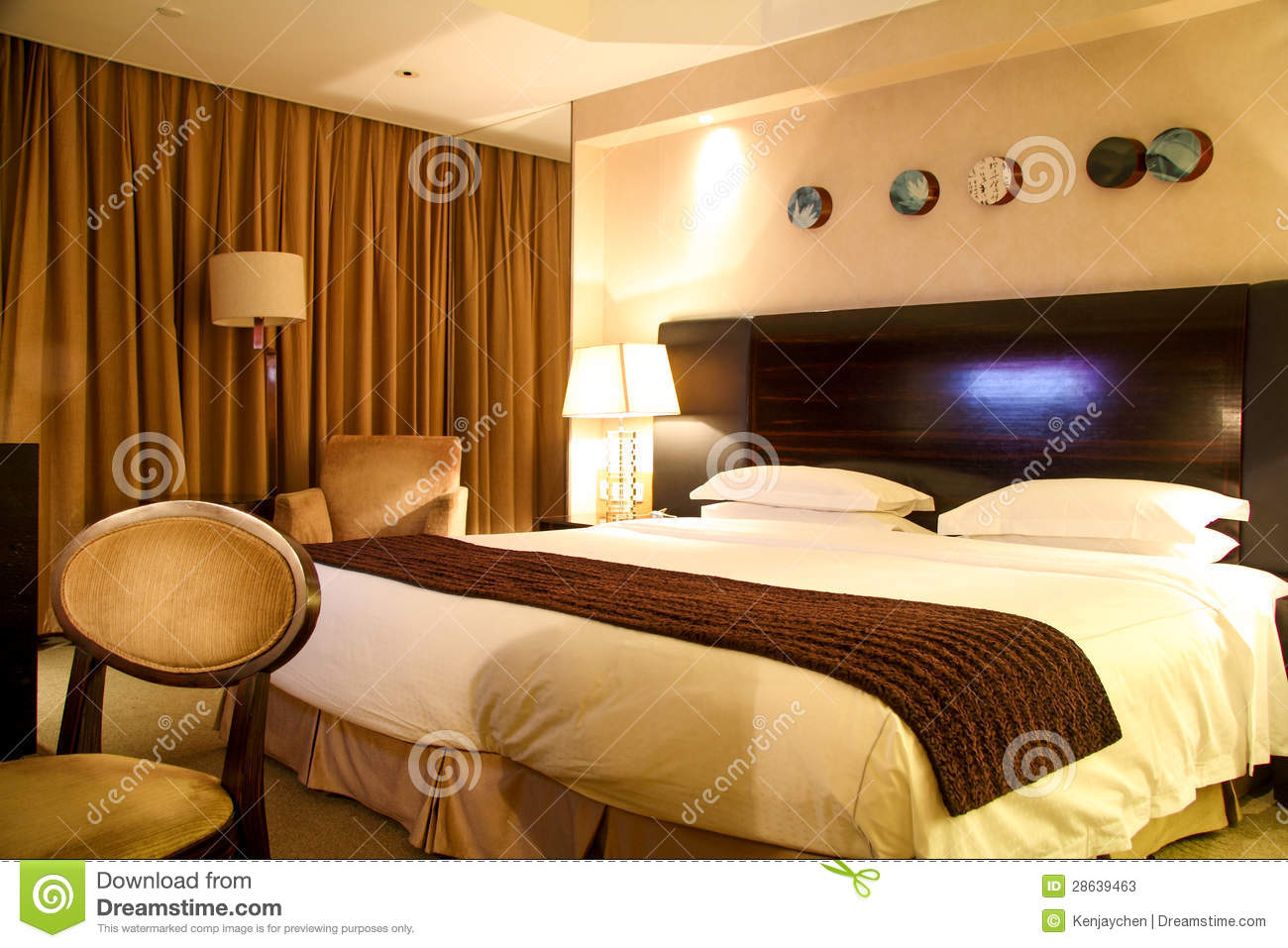 Luxury Hotel Room With King Size Bed Stock Photos Image