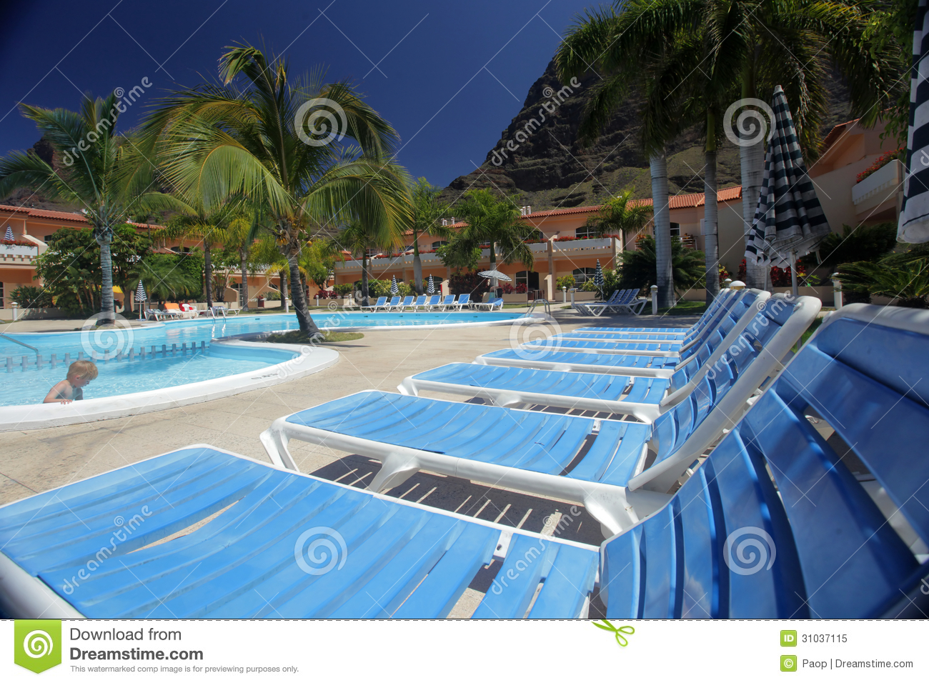 Luxury hotel swimming pool editorial image image of enjoyment 31037115 for Block island resorts swimming pool