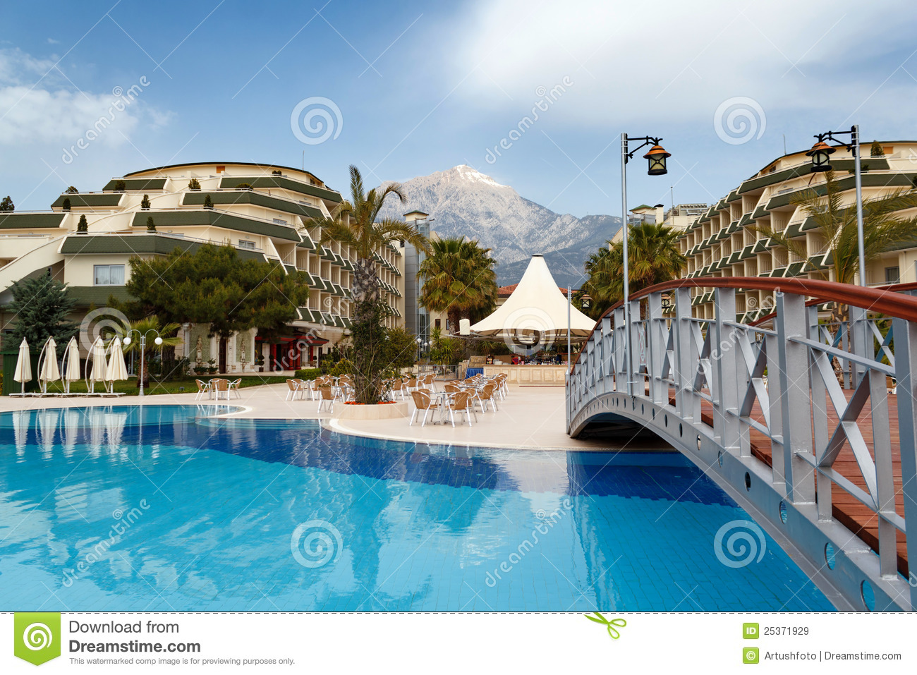Luxury hotels exterior with pool and small bridge stock for Small best hotels