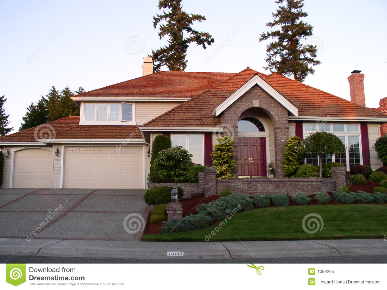 Luxury house royalty free stock photo image 1089295 for Free luxury home images