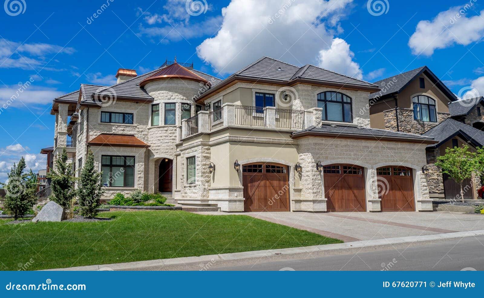 luxury house in calgary canada - Maison Canada