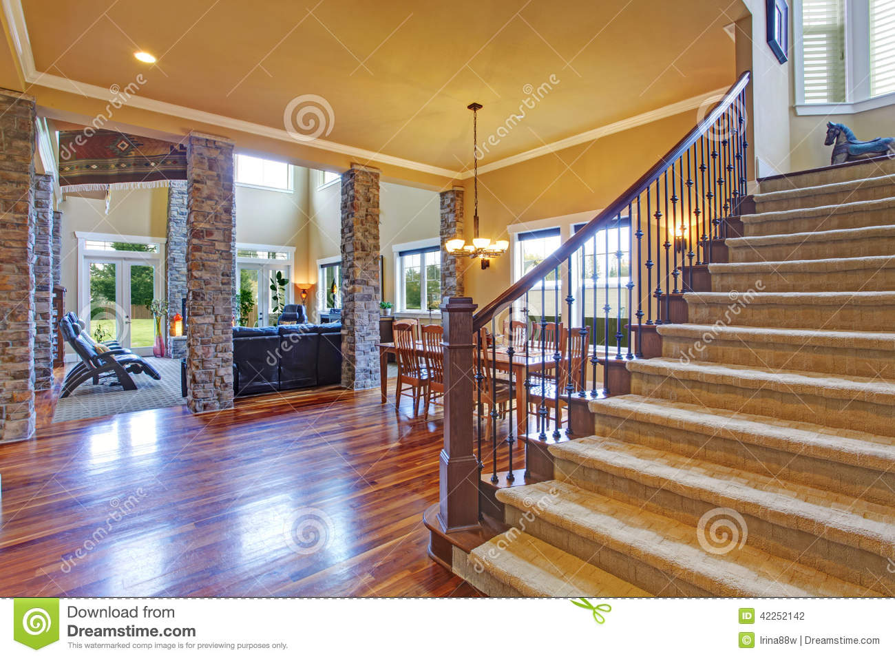 Luxury House Interior. View Of Dining Room And Hallway Stock Photography Part 85