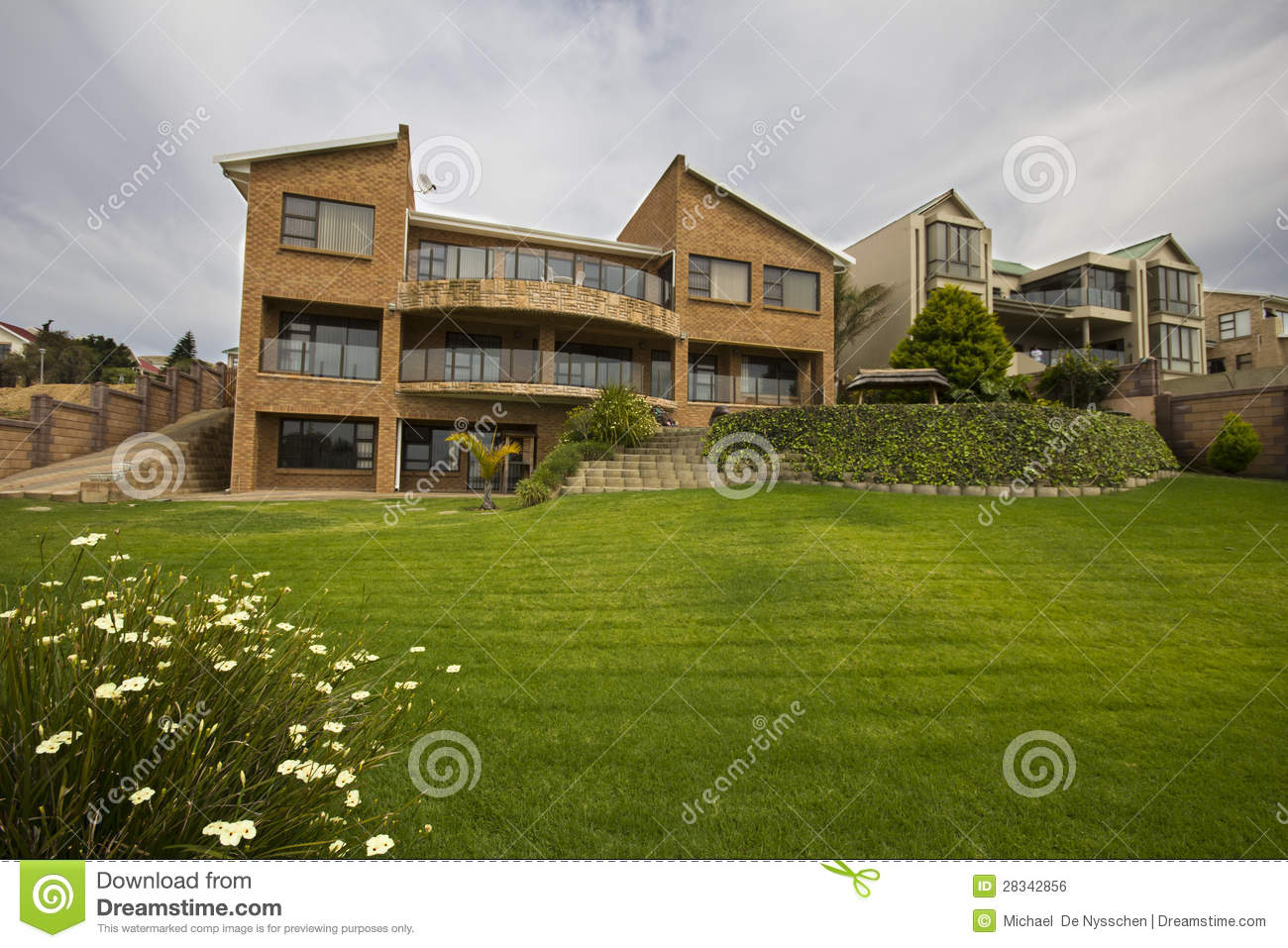 Luxury House With Large Garden Royalty Free Stock Image