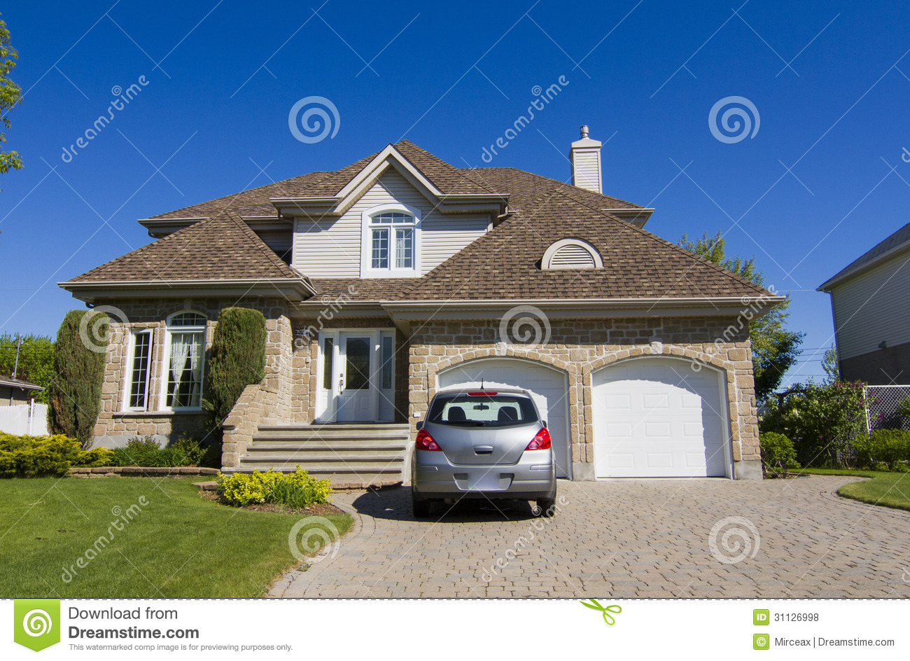 Luxury house royalty free stock photos image 31126998 for Free luxury home images