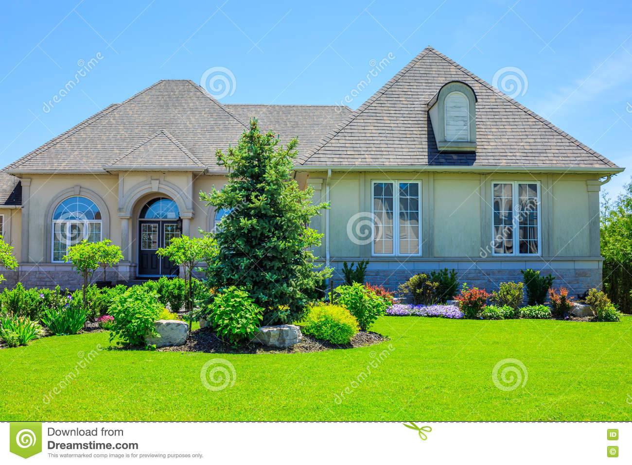 Luxury Houses In North America Stock Photo Image 72659121