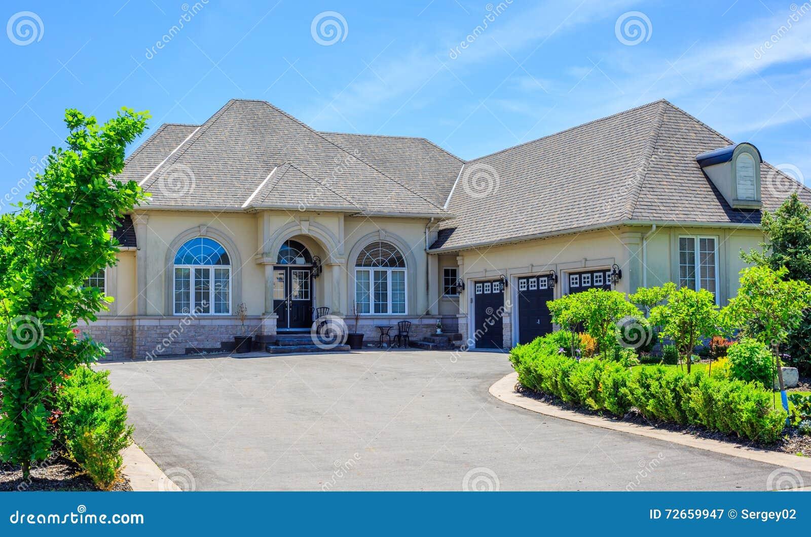 Luxury Houses In North America Stock Photo Image 72659947