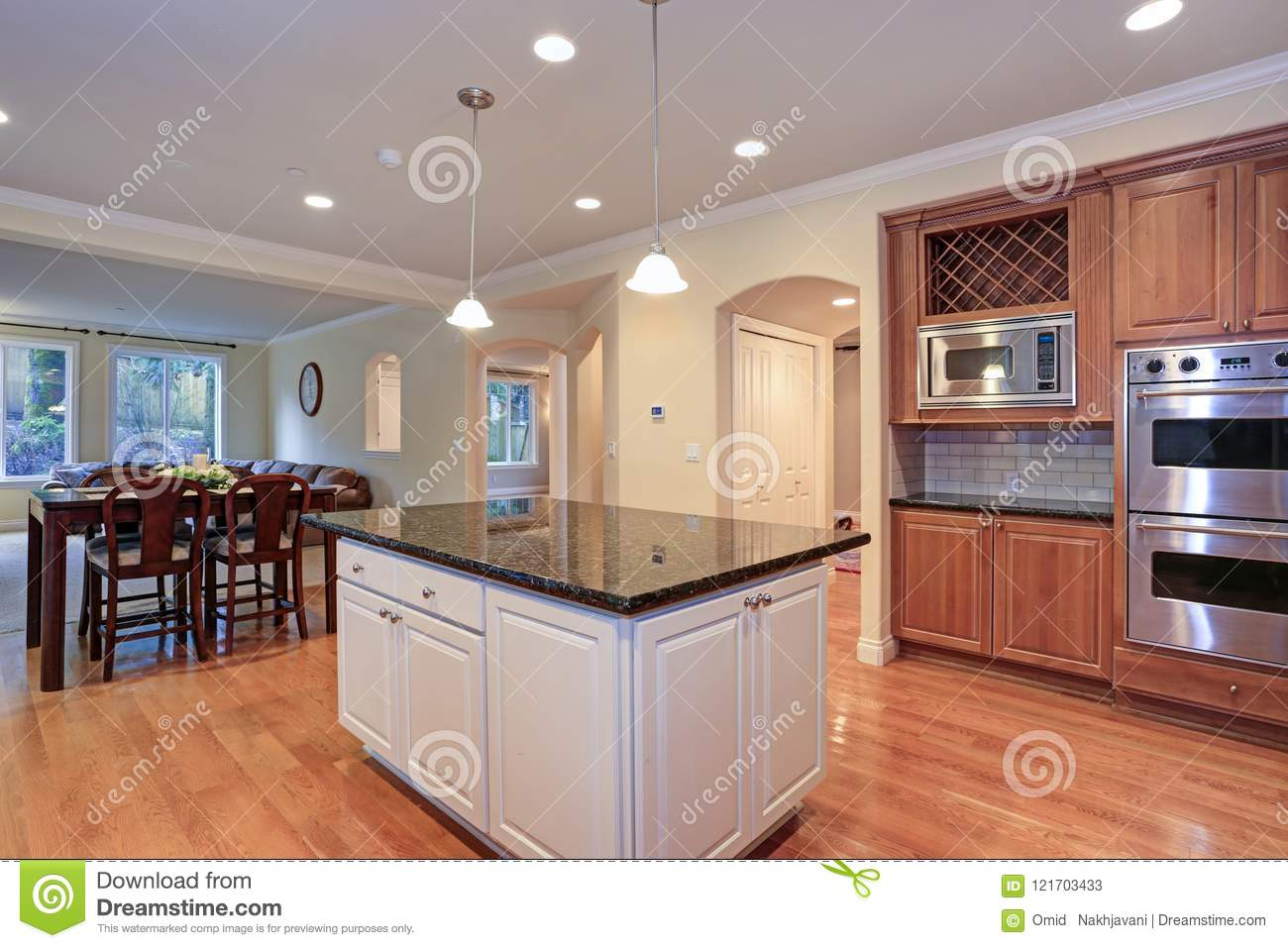 Luxury Kitchen Fitted With Viking Appliances Stock Image