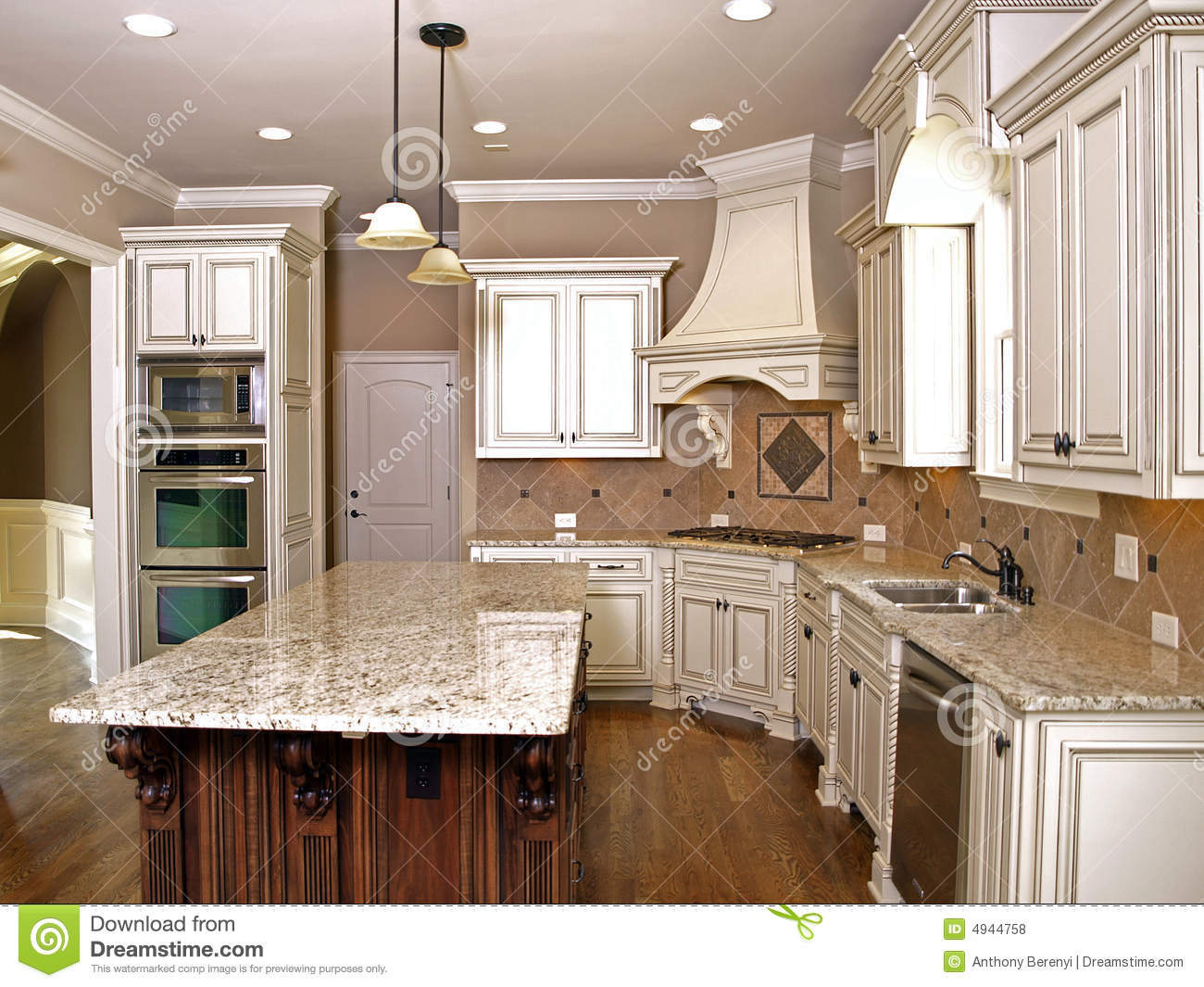 Luxury Kitchen With Granite Topped Island Stock Photo