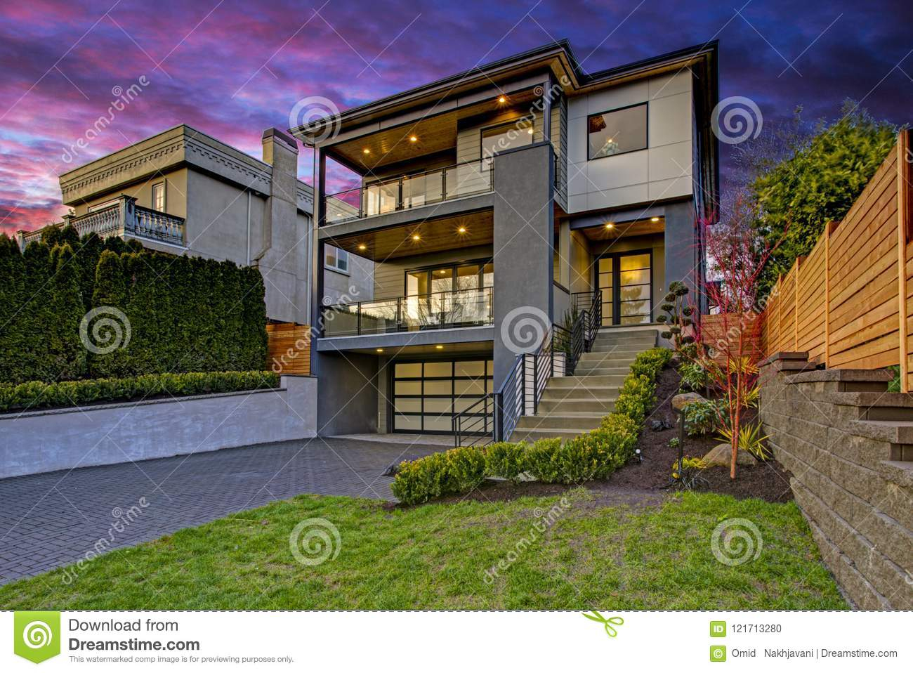 Luxury Modern Home Exterior At Sunset Stock Photo Image Of Large Kirkland 121713280
