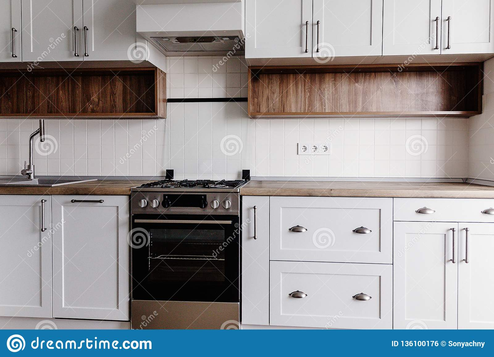 Peachy Luxury Modern Kitchen Furniture In Grey Color And Steel Oven Short Links Chair Design For Home Short Linksinfo