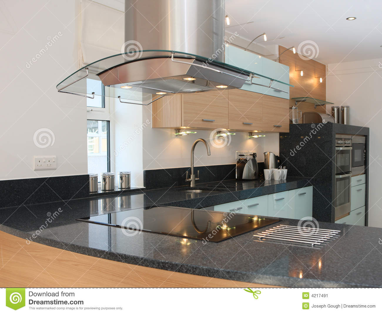 Luxury modern kitchen interior stock image image 4217491 for Luxury modern kitchen