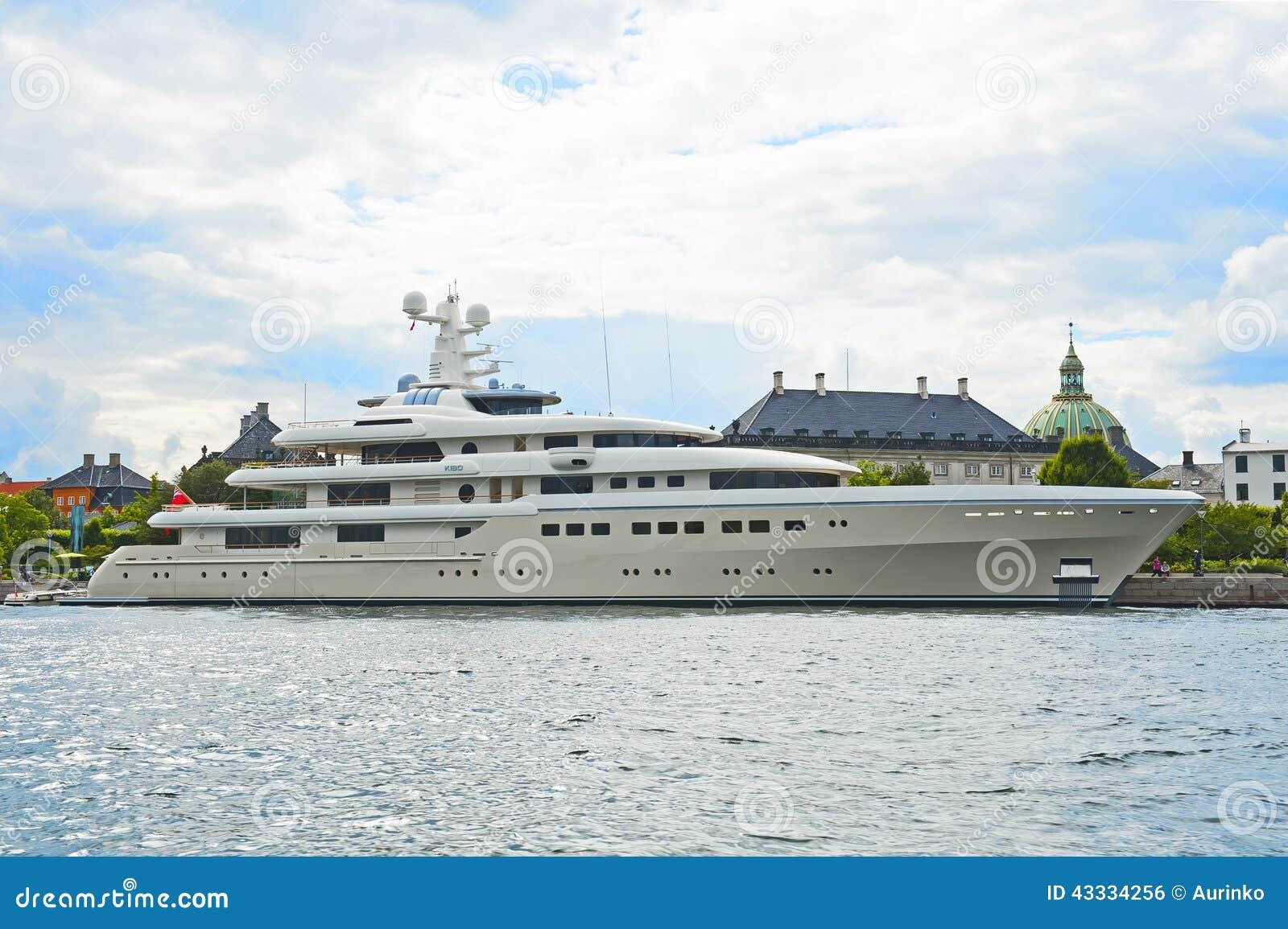 Luxury Motor Yacht Editorial Photo Image 43334256