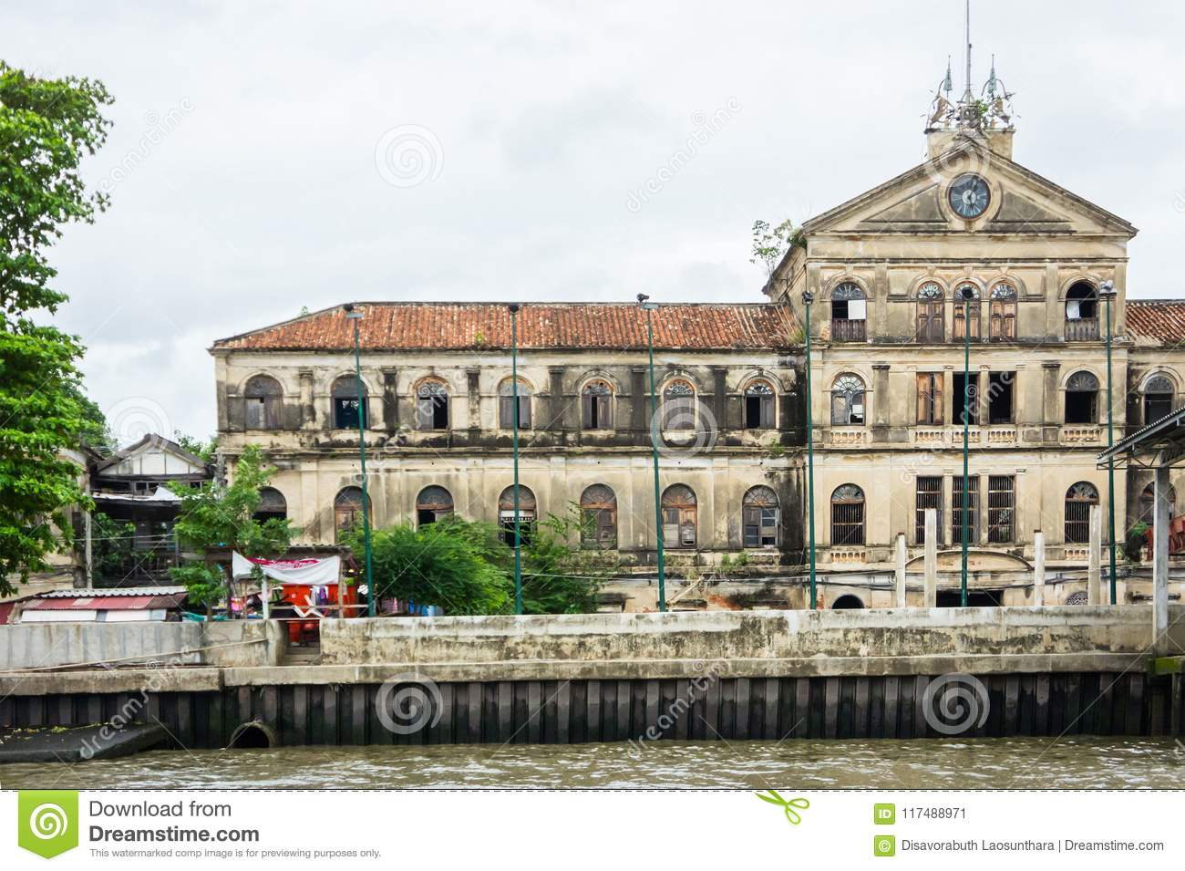 Luxury Old Mansions Riverside Chao Phraya River On Cloudy