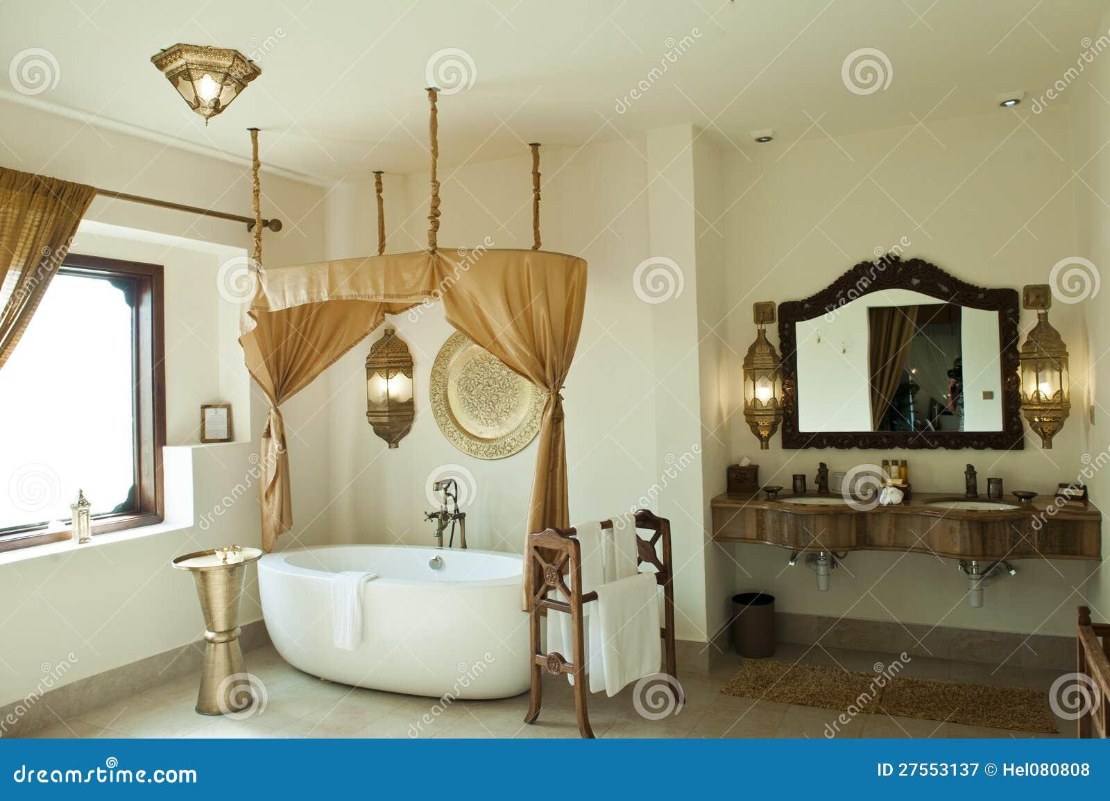 Luxury oriental hotel bathroom zanzibar stock image for Salle de bain orientale design