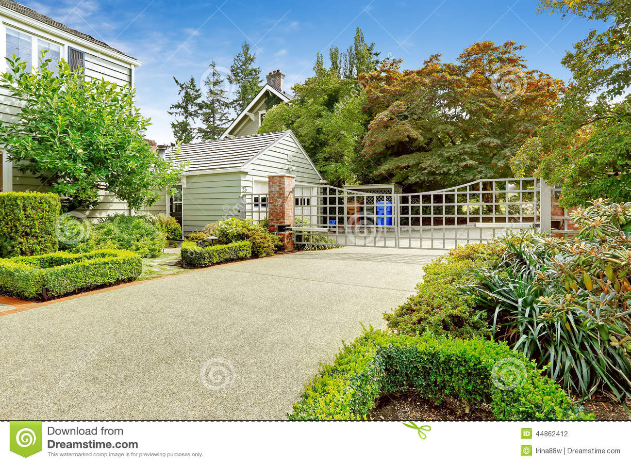 Luxury Real Estate In Tacoma WA House With Driveway And Large Stock Photo Image 44862412