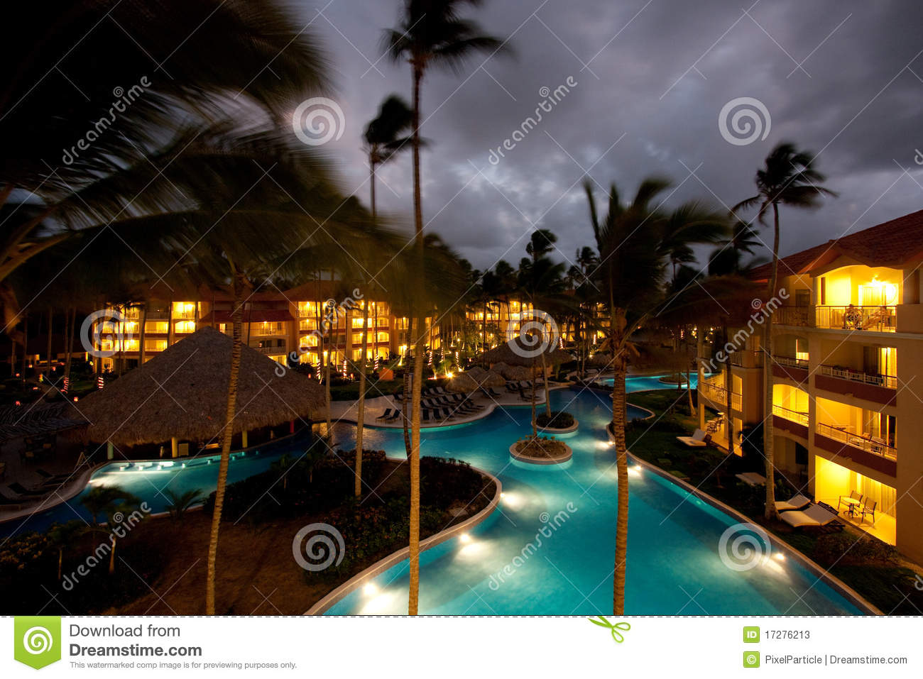 luxury-resort-night-17276213.jpg