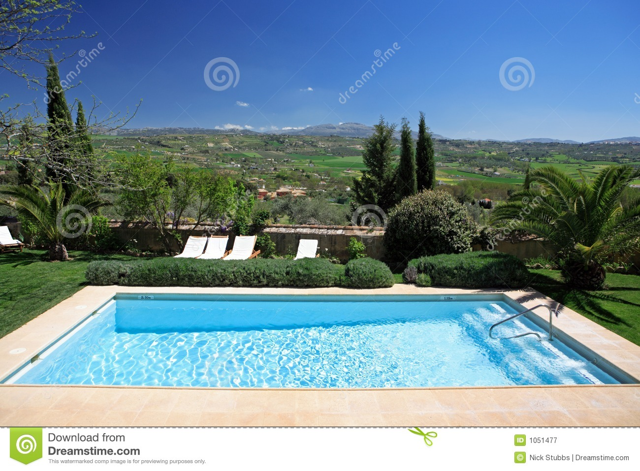 Luxury rustic hotel and swimming pool in countryside stock for Imagenes de piscinas rusticas