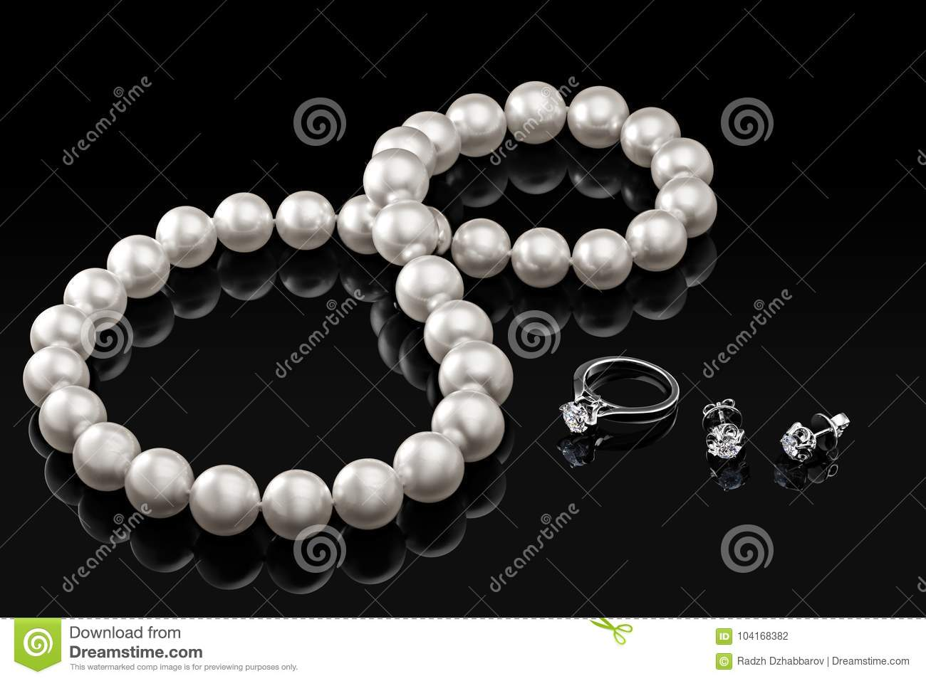 Luxury Set White Pearl Necklace And Jewelry With Diamonds In Ring