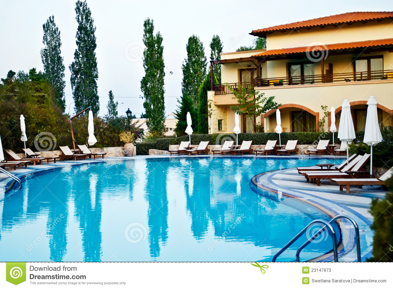 Luxury swimming pool stock photos image 23147973 for Allied gardens swimming pool
