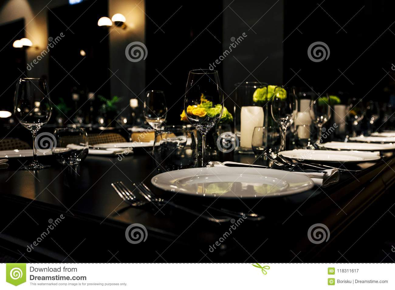 Luxury Table setting for weddings and social events.