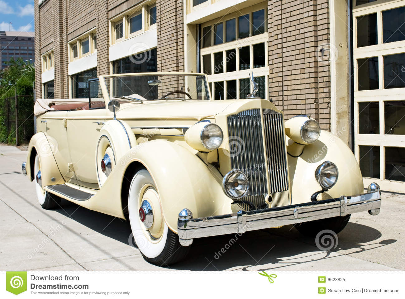 Luxury Vintage Car stock image. Image of american, classic - 9623825