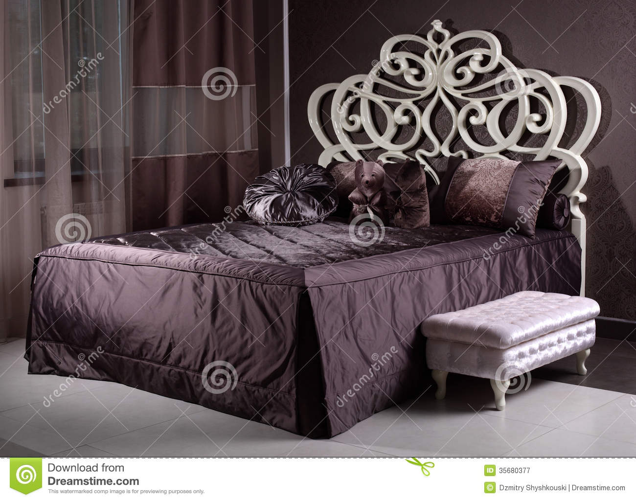 Luxury Wooden Bed In The Room Stock Image Image 35680377 : luxury wooden bed room modern bad 35680377 from www.dreamstime.com size 1300 x 1024 jpeg 162kB