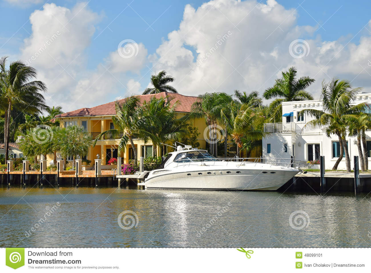 Luxury yacht and waterfront home stock image image 48099101 for Achat maison normandie bord de mer