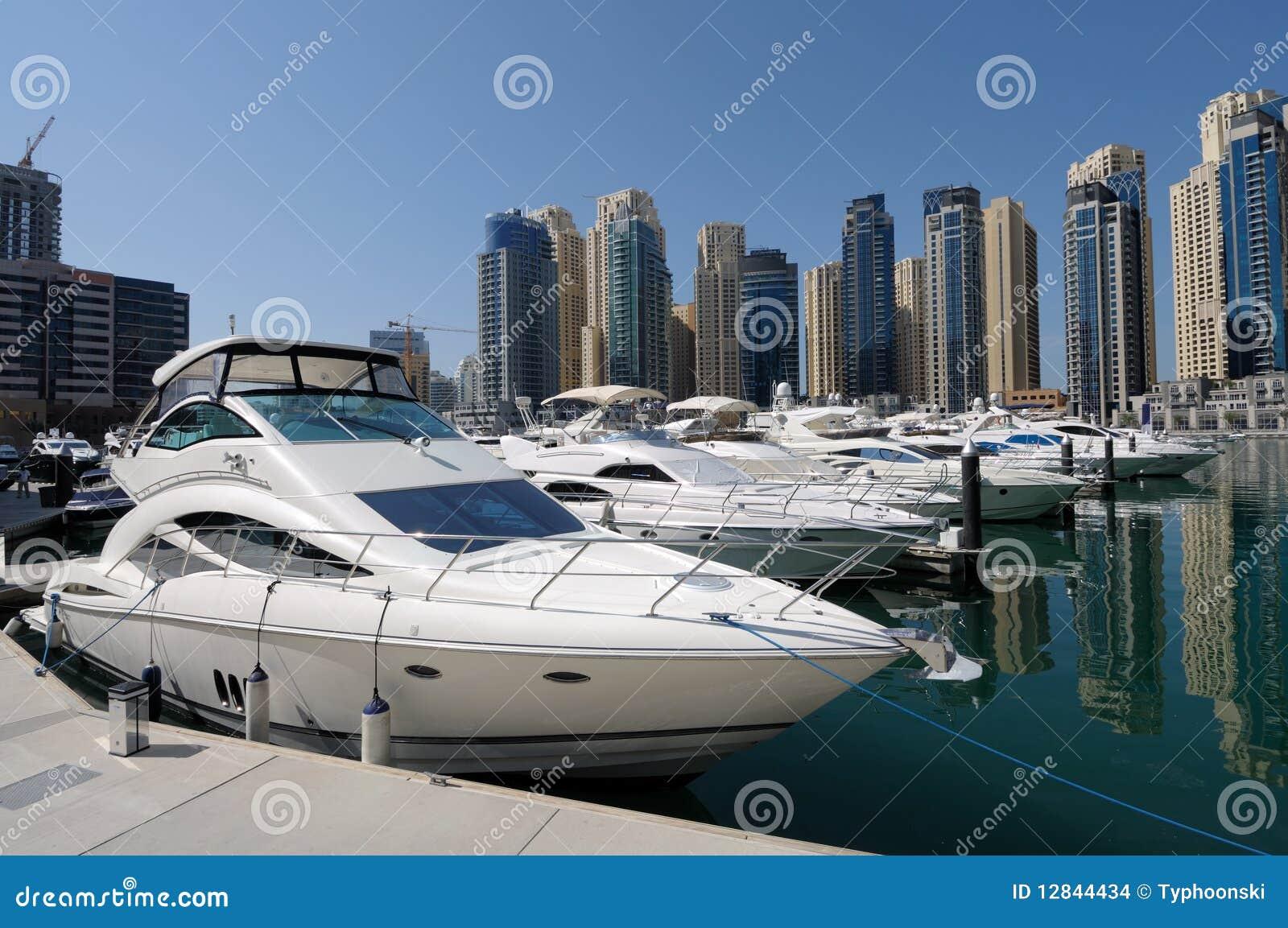 Luxury yachts at dubai marina stock images image 12844434 for Luxury hotels in dubai marina
