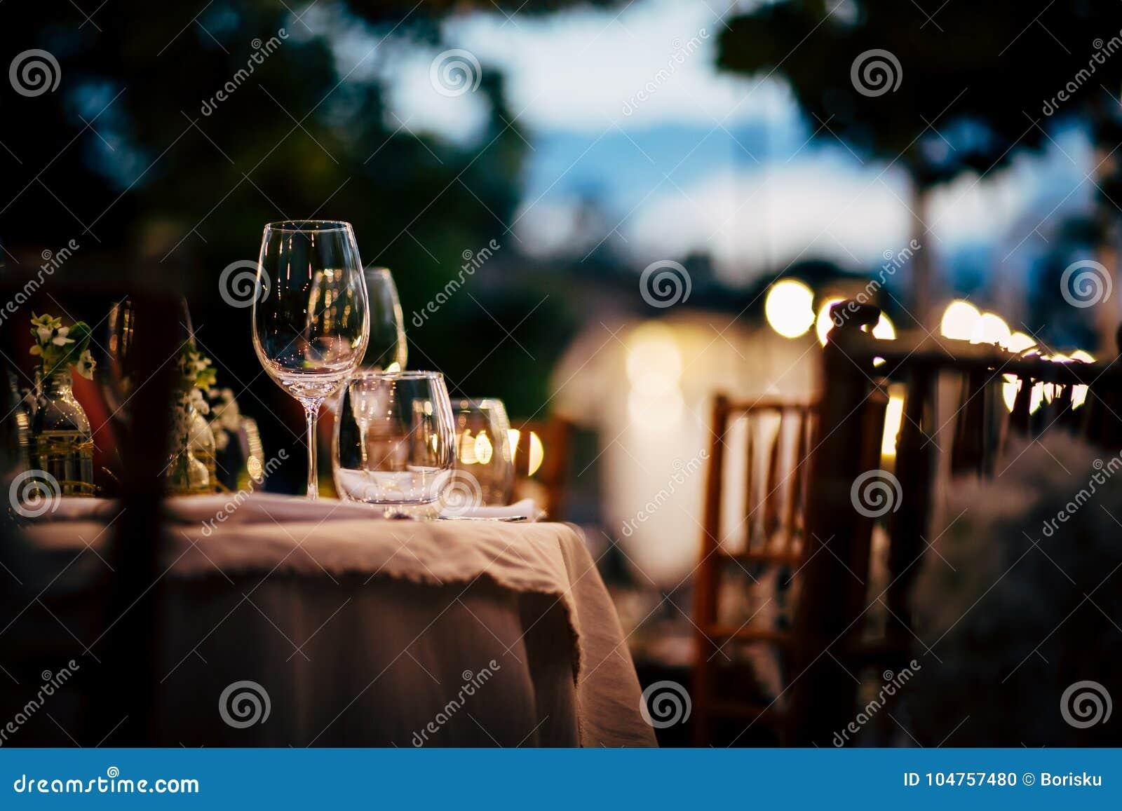 Luxusgedeck für Partei, Weihnachten, Feiertage und Hochzeiten