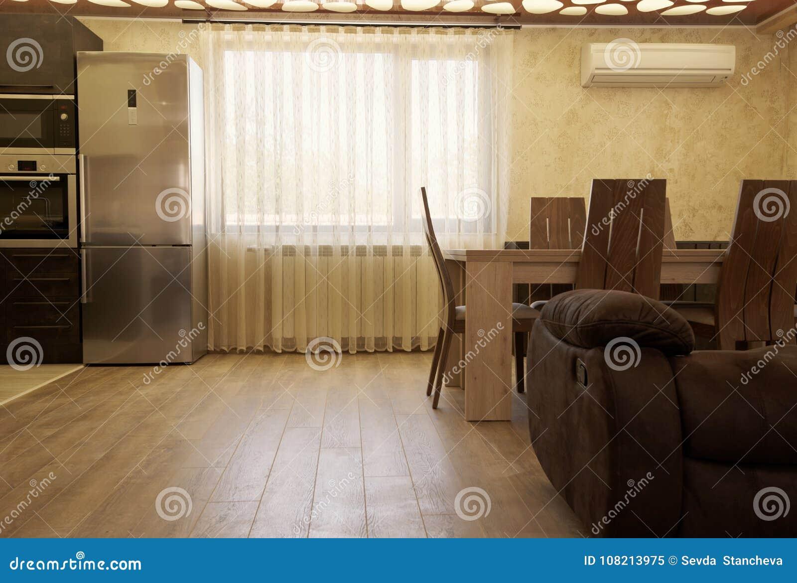Luxusvorhänge Auf Dem Fenster Modernes Wohnzimmer Mit Einem ...