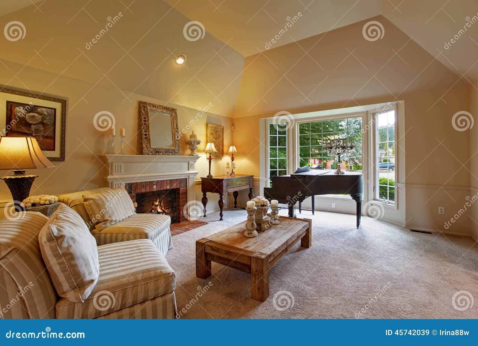 Luxuswohnzimmer mit fl gel und kamin stockfoto bild 45742039 - Foto foto interior ...