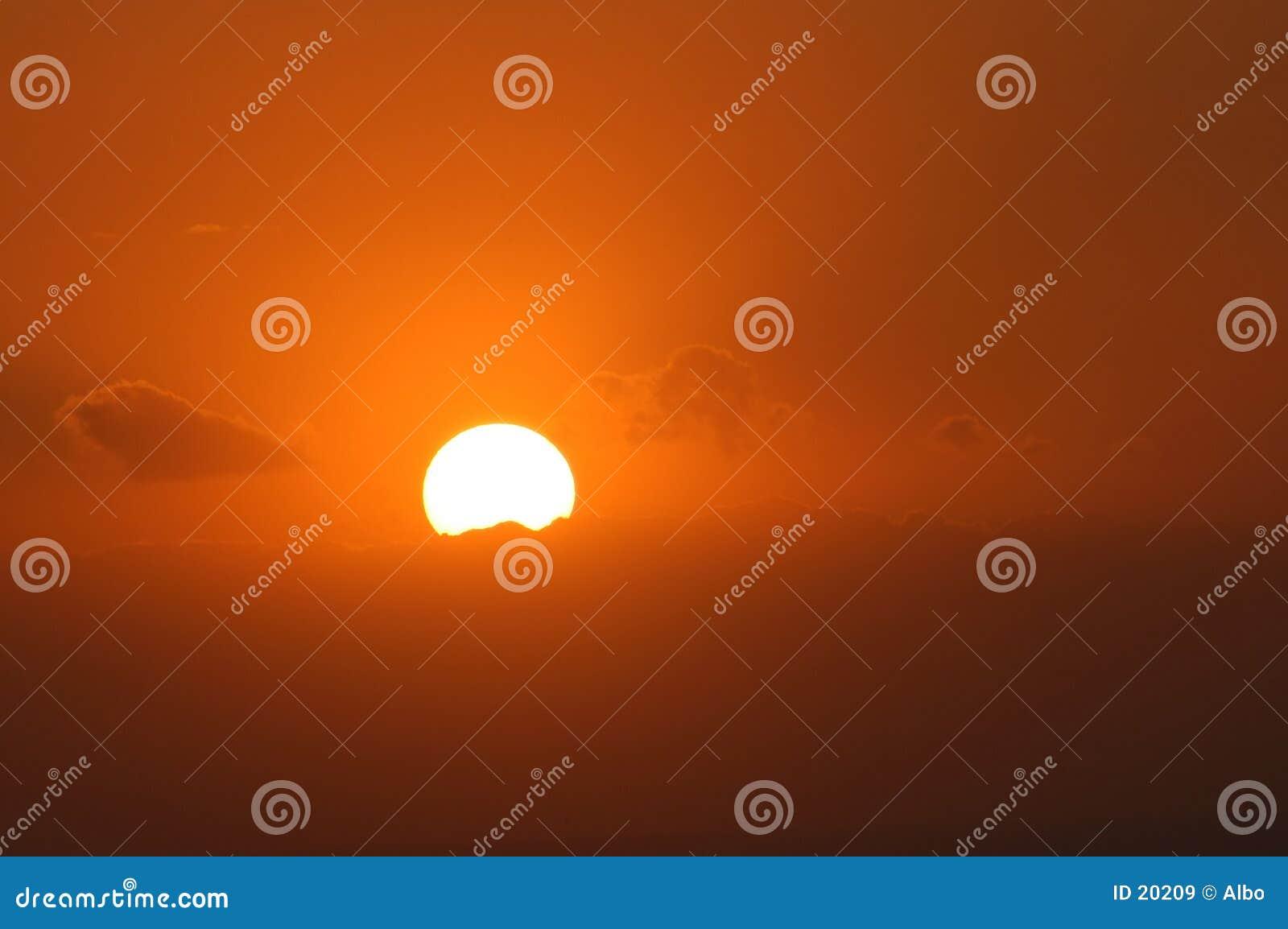 Luz anaranjada