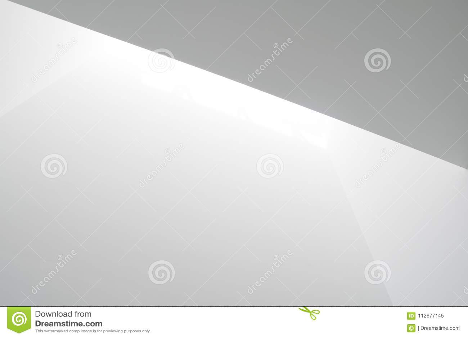 Luz branca em paredes