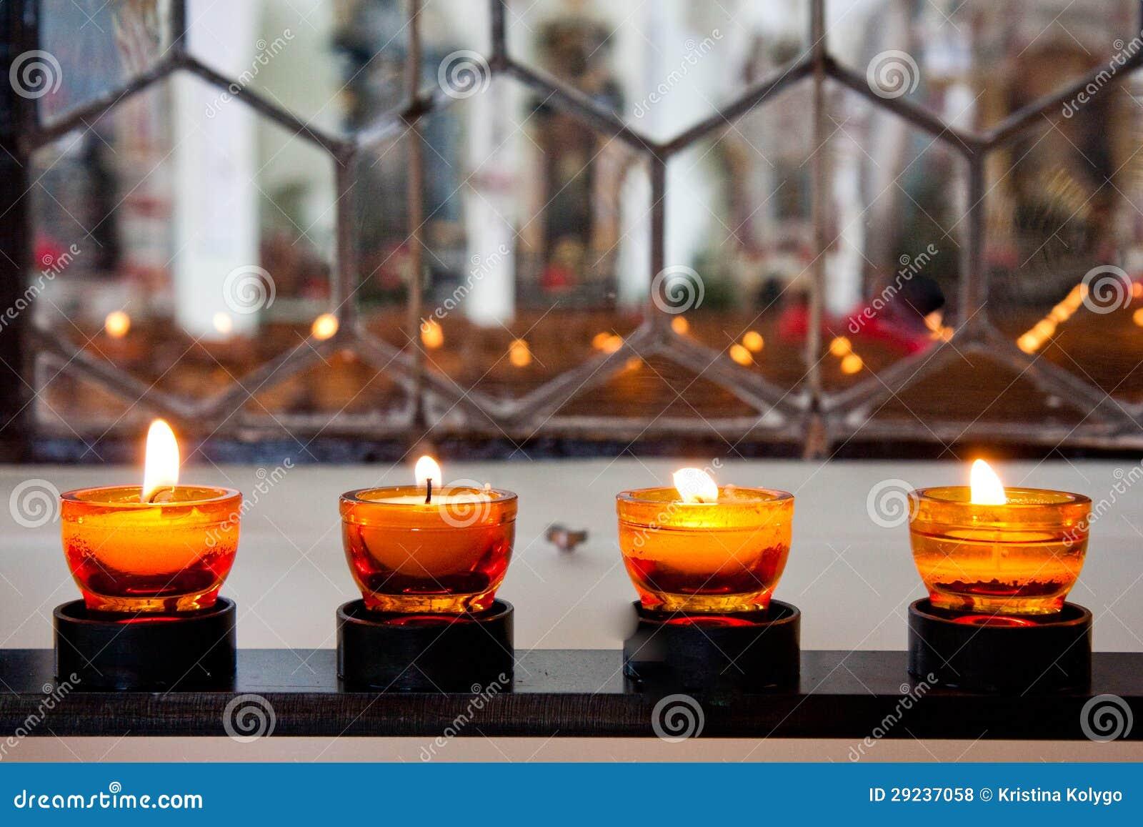 Download Luz da vela foto de stock. Imagem de raso, campo, diagonal - 29237058