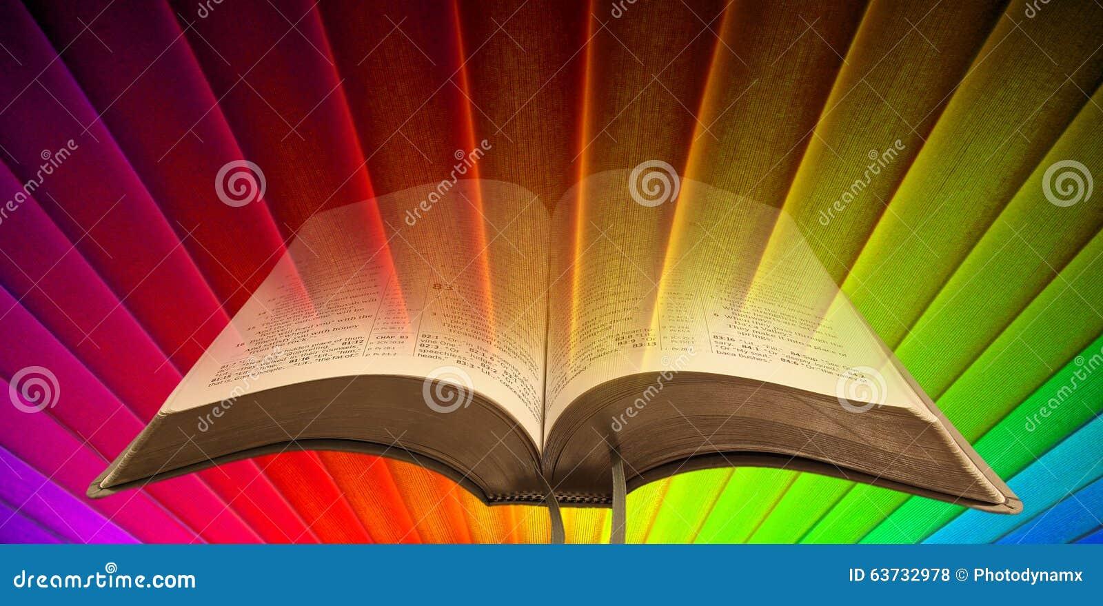 Luz Del Espiritual De La Biblia Del Arco Iris Foto de archivo ...