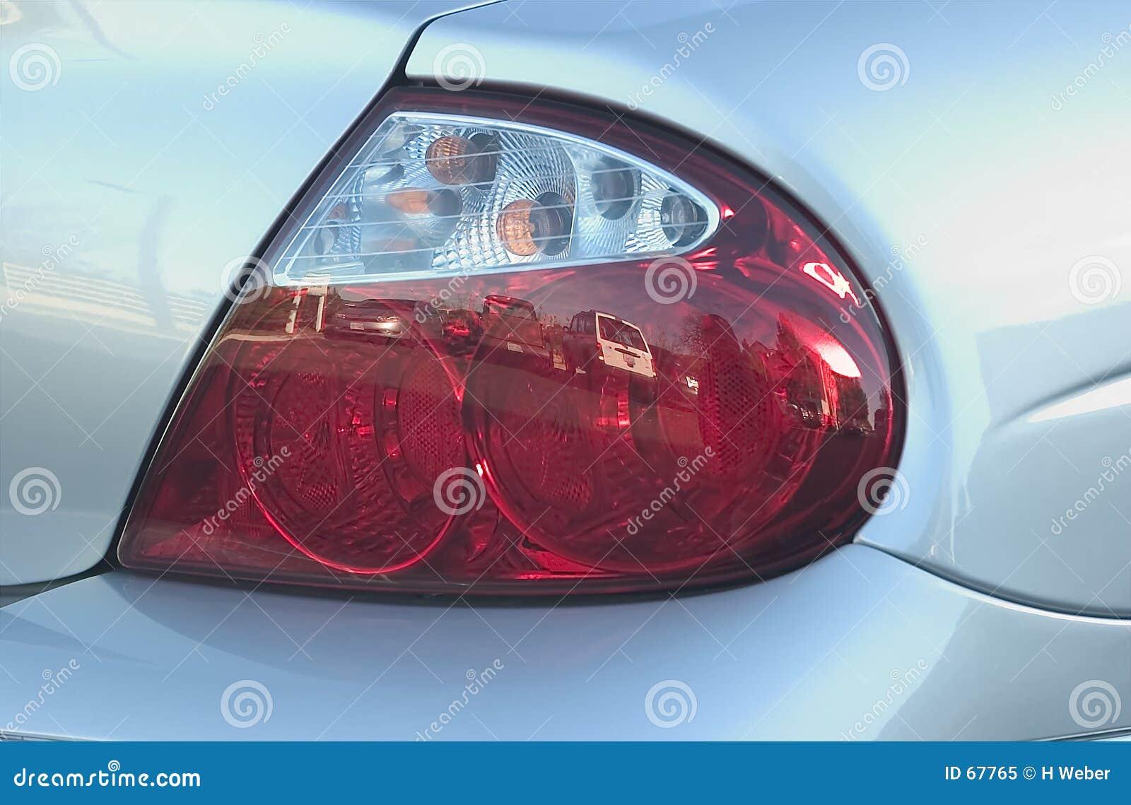 Luz trasera del automóvil