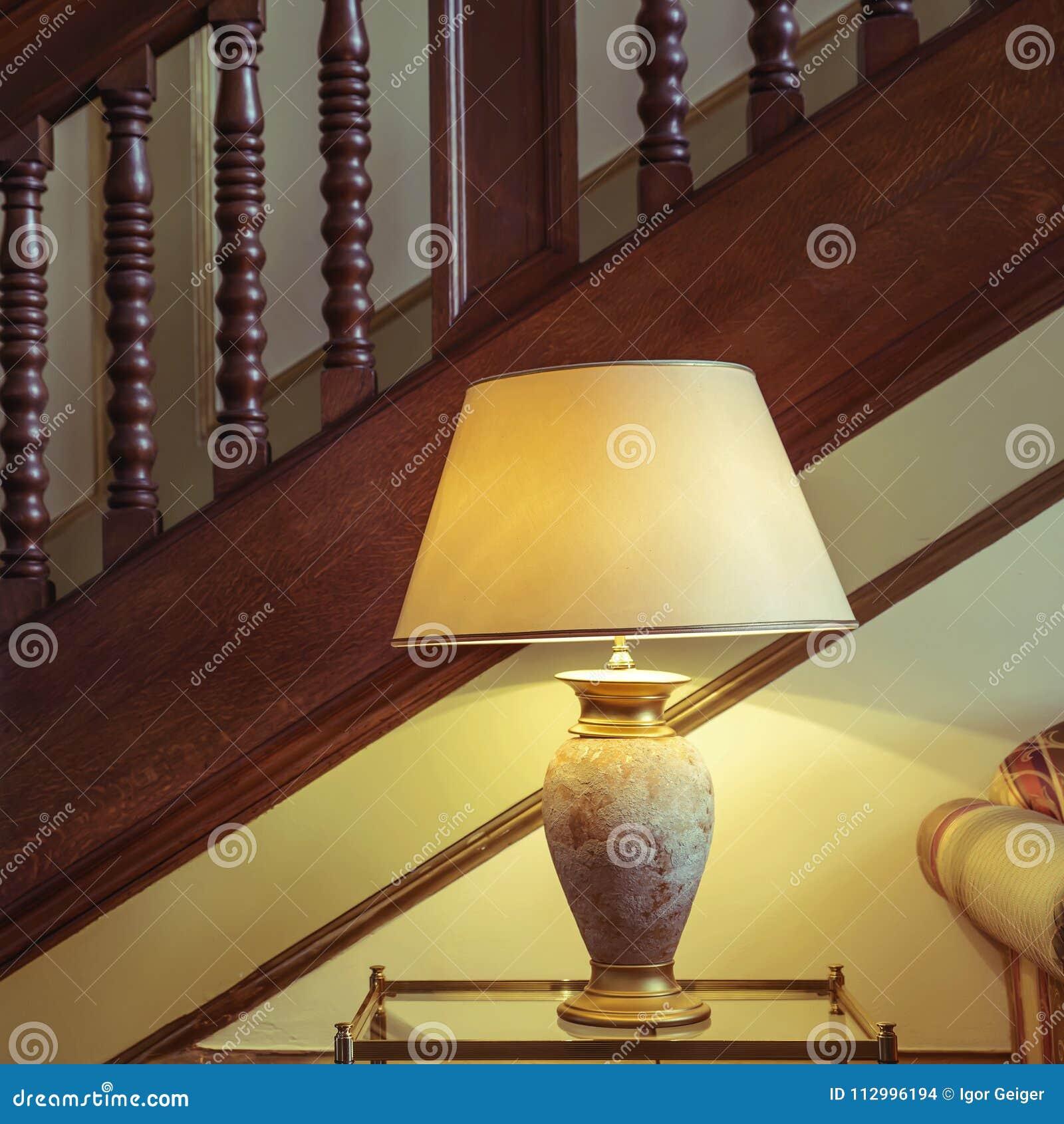 La De Estilo Sombras Pie De Y Luz El Hermosas Lámpara En DEHI29