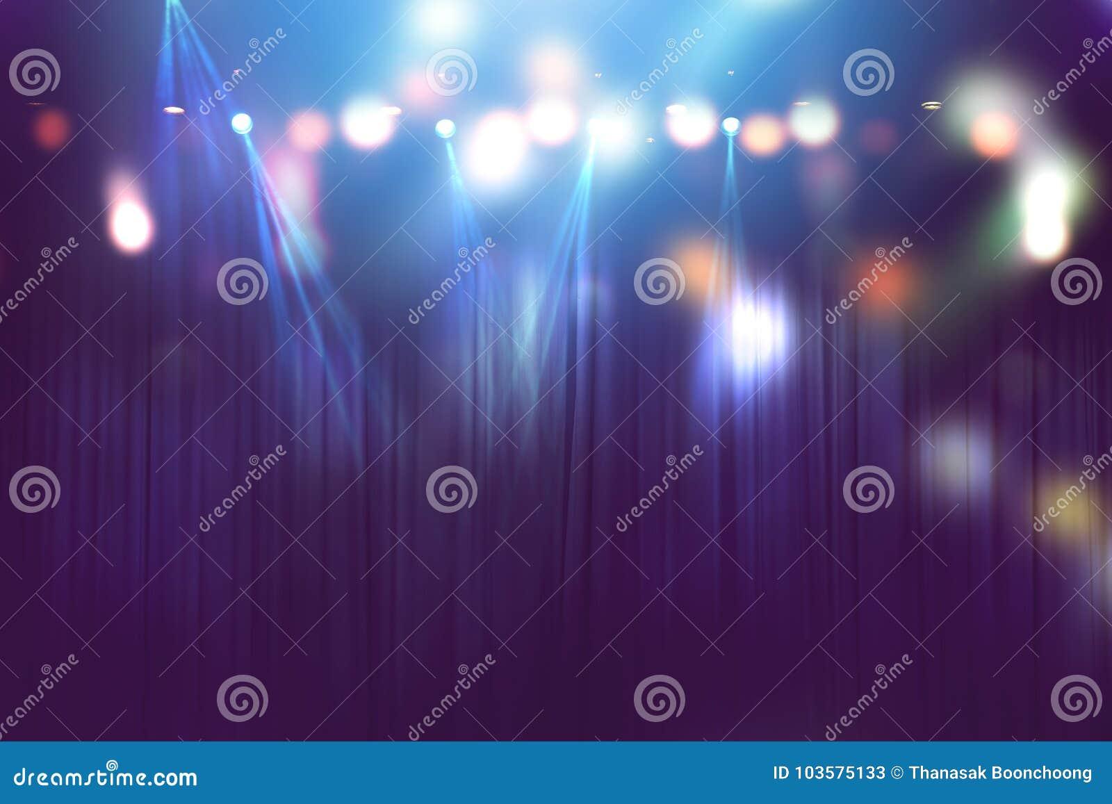 Luzes borradas na fase, sumário da iluminação do concerto