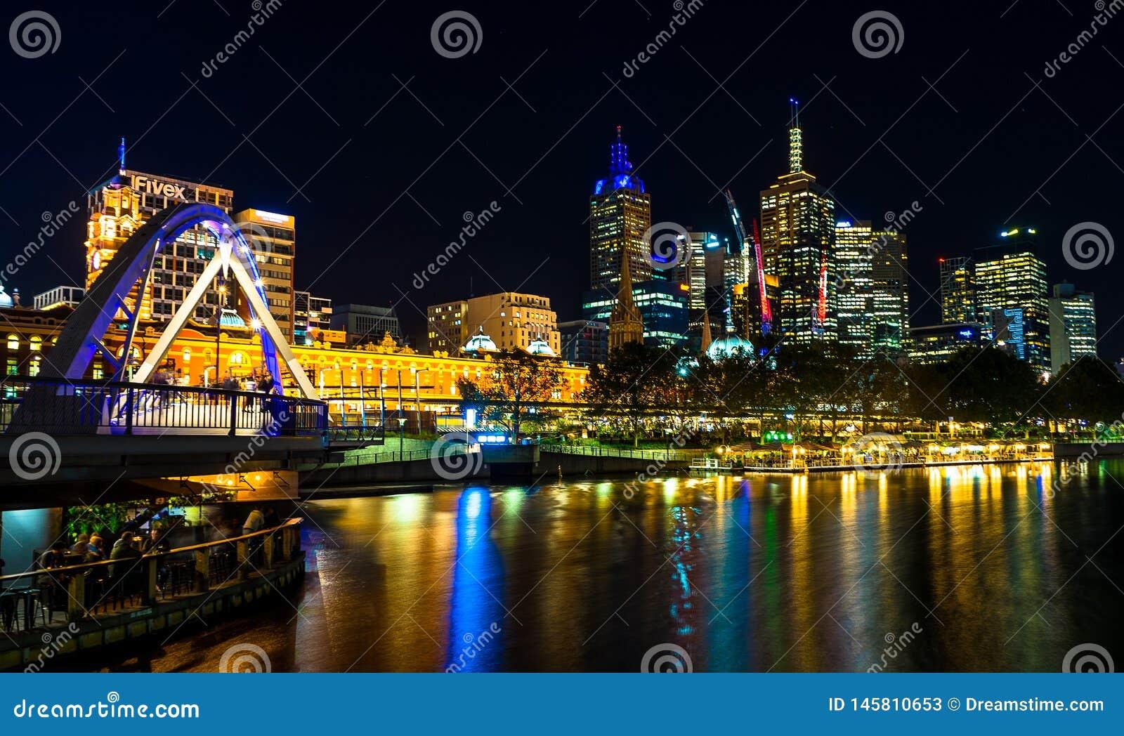 Luzes da noite do rio de Yarra