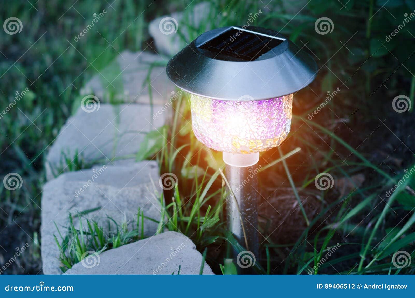 Luzes do jardim com bateria solar