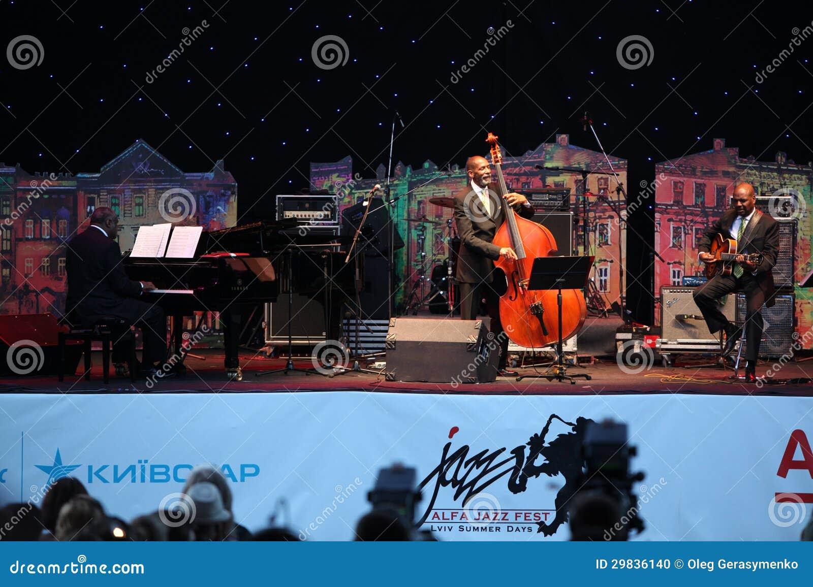 LVIL, UCRÂNIA - 4 de junho: Trio de Ron Carter