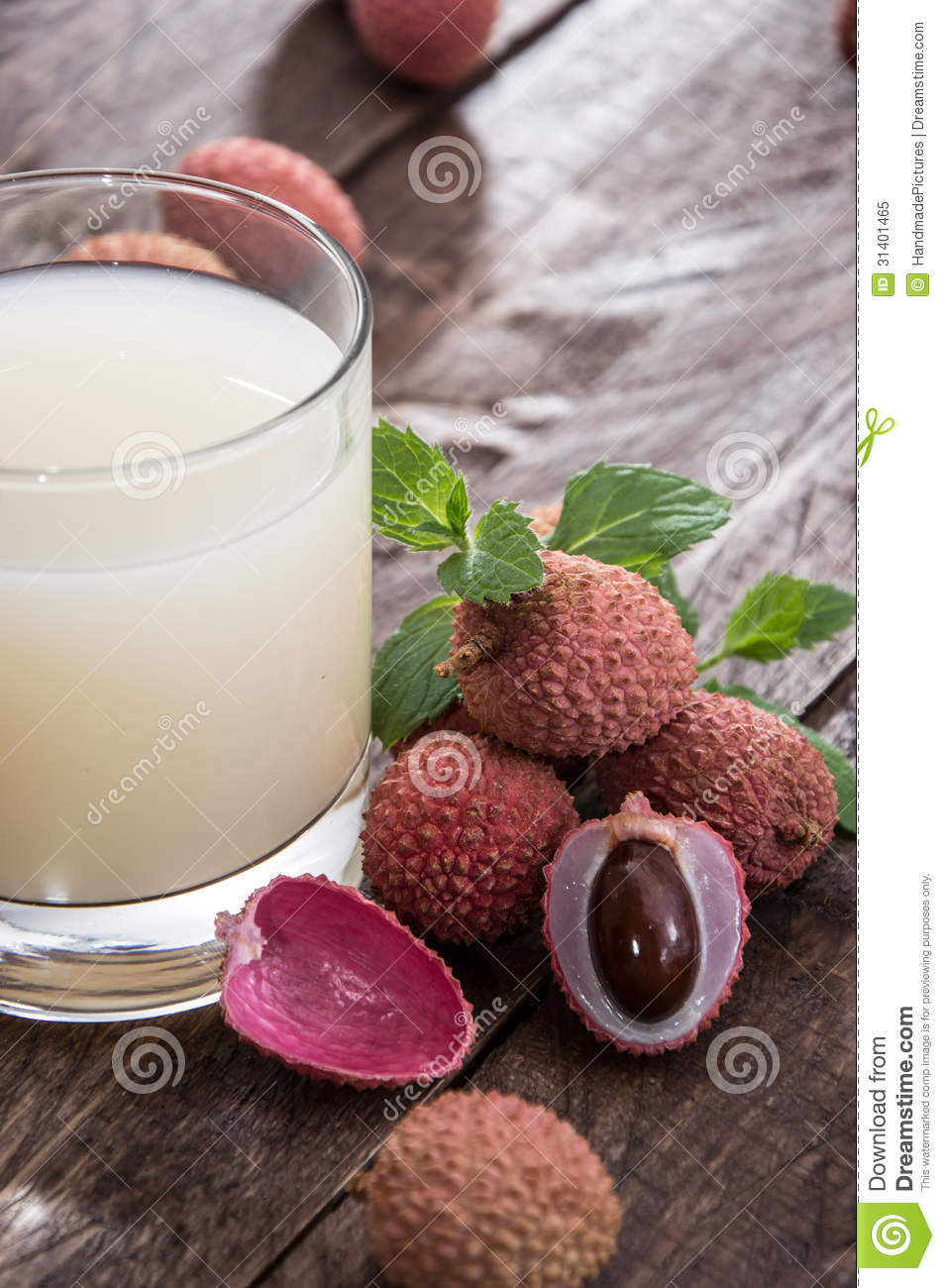 Lychee Juice with fresh fruits