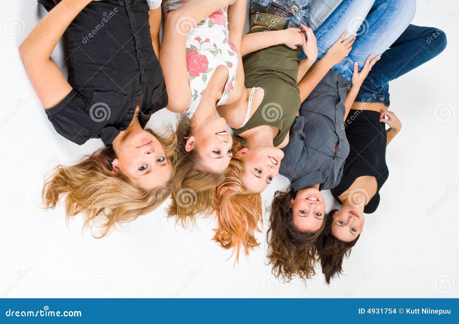 Lycklig översida för 5 ner flickor