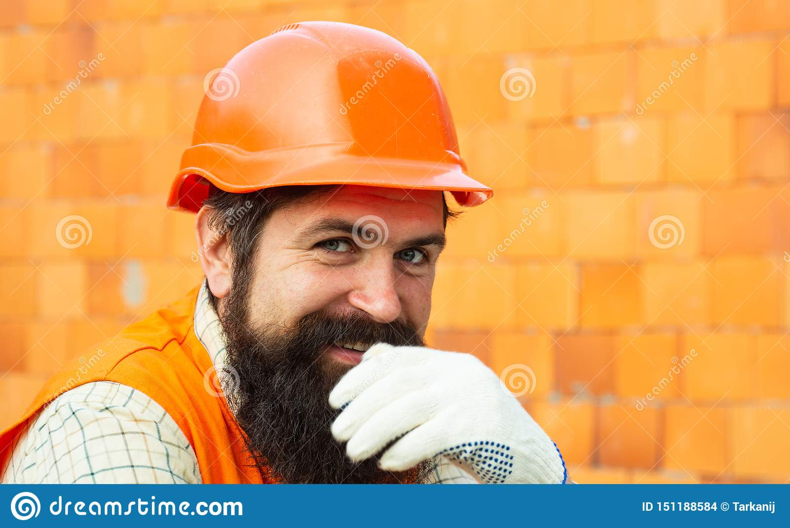 Lycklig arbetare gott jobb Karriär i konstruktionsaffären b?rare nya l?genheter Egenskapen Real Estate marknadsf?r