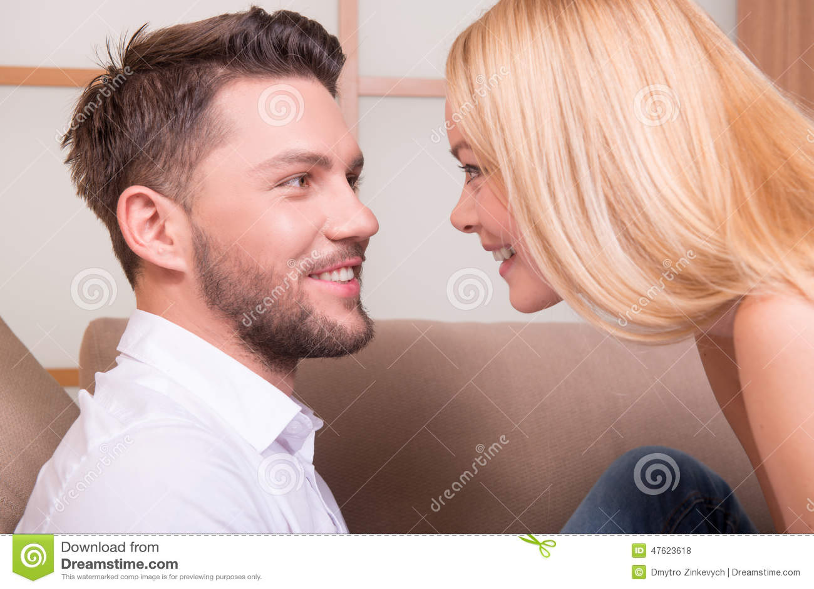 Lycklig förälskelse för par