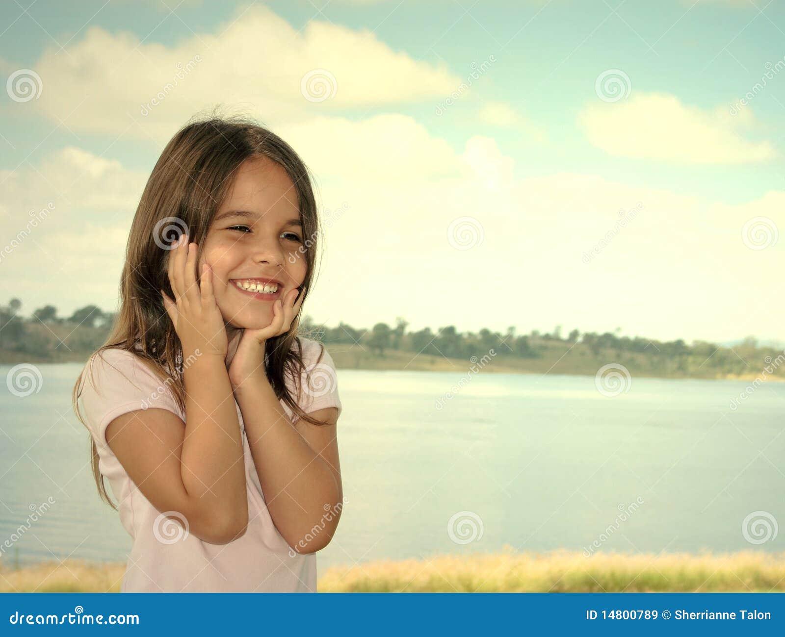 Lycklig förträning för flicka